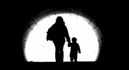 Image d'une mère avec son enfant