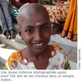 Photographie d'une jeune Indienne rasée.
