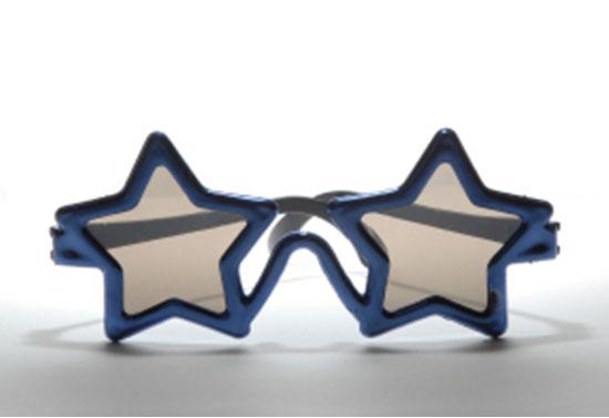 Photographie de lunettes en forme d'étoile