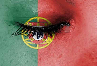 Drapeau du Portugal peint sur un visage
