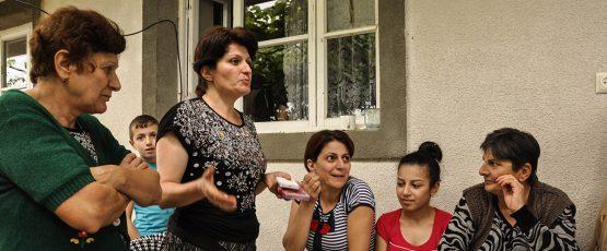 Photographie des femmes faisant partie du programme de serre-coopérative.