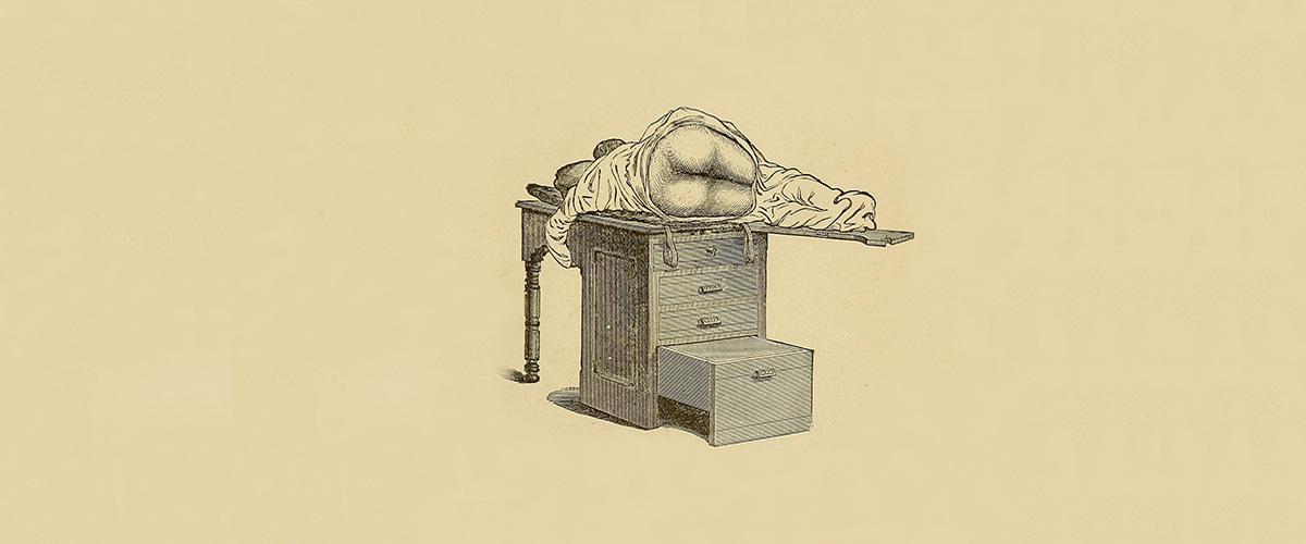 Illustration d'une femme allongée sur un bureau.