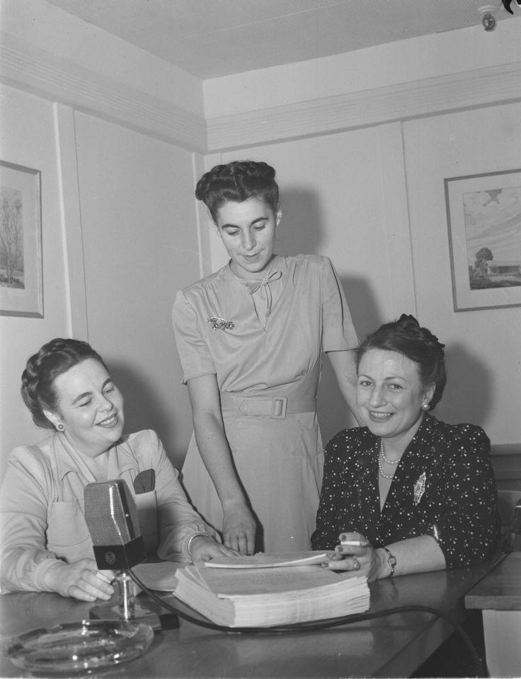 3 femmes – Pionnières des ondes : la radio d'hier à demain