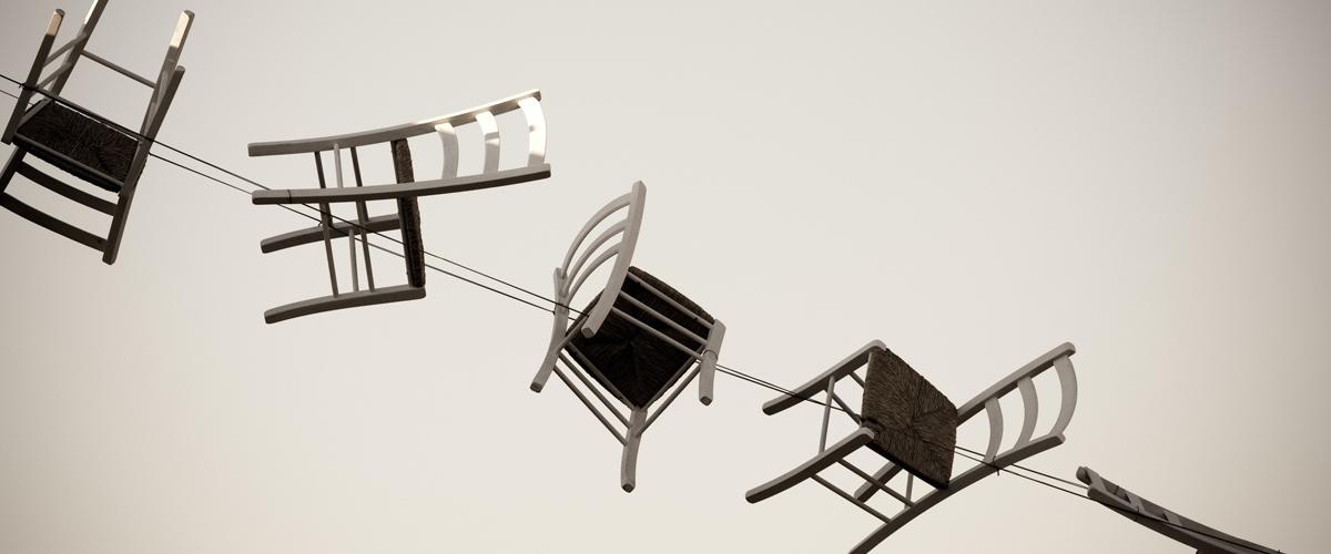 Illustration de 5 chaises pour article
